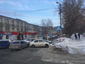 Погасший светофор стал причиной ДТП двух иномарок на Гоголя