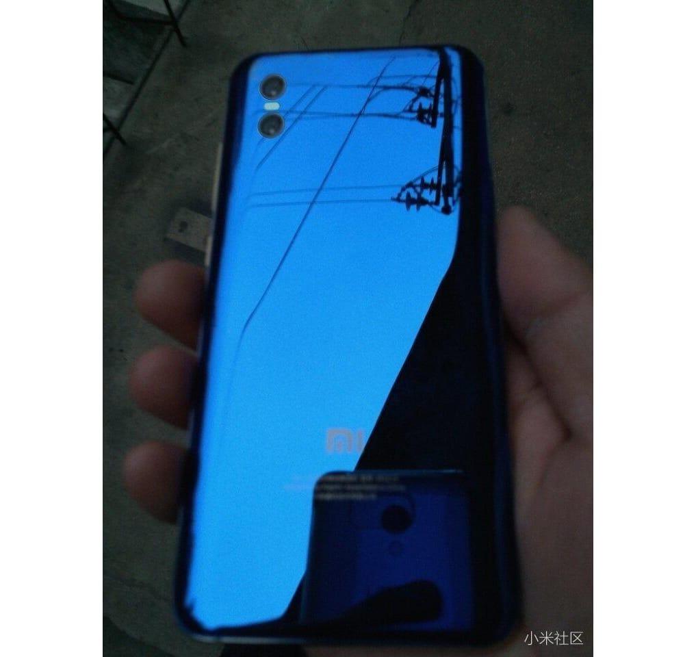 Опубликовано первое фото флагманского смартфона Xiaomi Mi 7