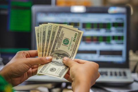 Как выгодно и быстро инвестировать деньги