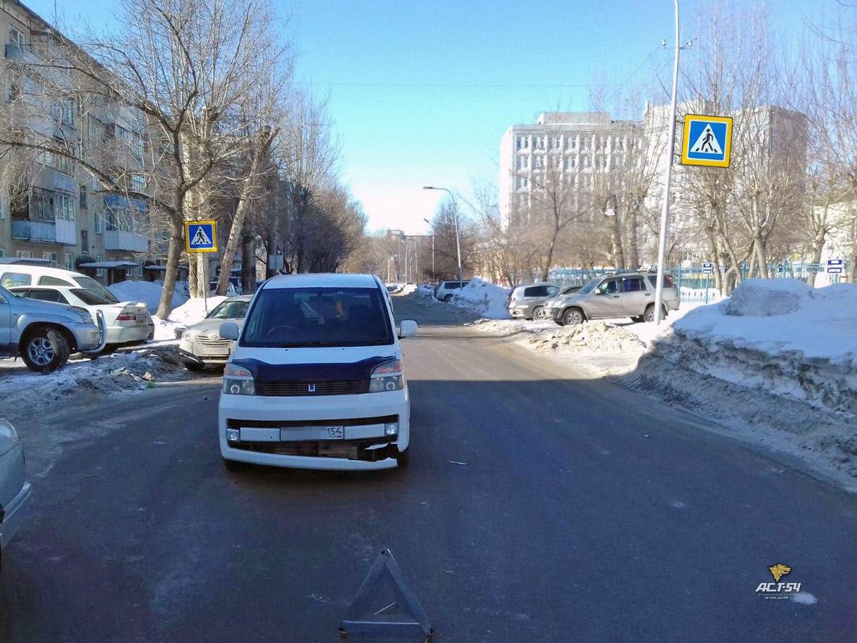 Новосибирск: микроавтобус въехал в натянутый трос на Гоголя