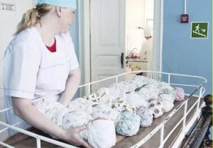 Жительница Новосибирска родила сразу четырех малышей