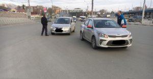 В Октябрьском районе «Мазда» протаранила такси
