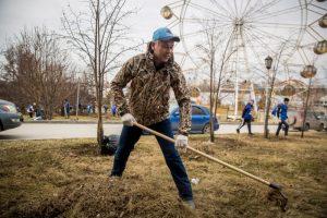 В Новосибирске мести улицы вышли Локоть и Травников