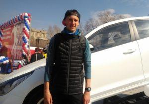Студент НГТУ получил Hyundai Solaris за победу в беговой эстафете