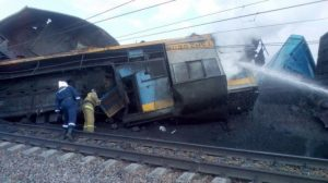 Под Новосибирском столкнулись два грузовых поезда, машинист в больнице