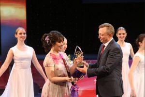 Премию 200 тысяч дали лучшей учительнице Новосибирской области