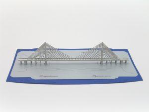 Новосибирец Никита Куренков создал объёмную открытку с Крымским мостом
