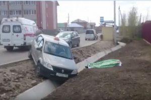 Бердский таксист умер за рулем от инфаркта