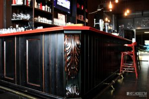 На «Октябрьской» открылся Sidewalker Bar с настойками на пиве и загадочными блюдами