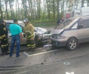 Жесткое ДТП Тойота и трактора на трассе в Бердске, двое в больнице