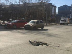 Ремонту дорог в Бердске мешают провалившие колодцы