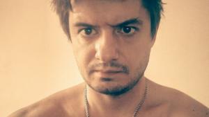 Житель Новосибирска облил девушку мочой и грозил убить ее кота