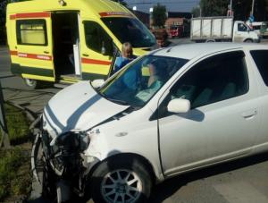 ДТП в Новосибирске: на Ватутина столкнулись две Тойоты, пострадали водители