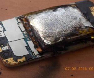В Новосибирске в руках 16-летней школьницы взорвался смартфон