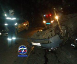 Тойота перевернулась на крышу в Новосибирске, виновник сбежал