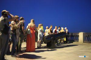На Михайловской набережной поставили четыре бесплатных телескопа