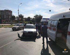 Скорая с пациентом попала в ДТП на Большевистской в Новосибирске
