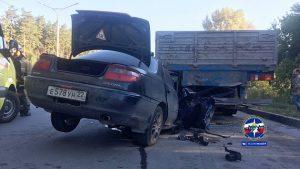 Женщина-водитель насмерть разбилась о грузовик на Бердском шоссе