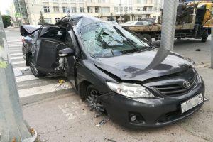 ДТП в центре Новосибирска - у «Тойоты» вырвало колёса