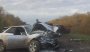 Лобовое ДТП двух Тойот под Новосибирском - погиб человек