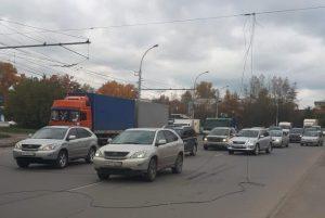 В Новосибирске образовалась пробка из-за оборванных проводов