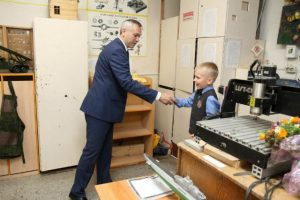 Андрей Травников встретился со школьниками и студентами 1 сентября