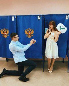 Сибирячки устроили селфи-челлендж на выборах губернатора