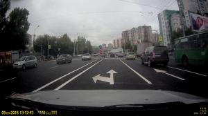 Новая разметка на Есенина путает водителей Новосибирска