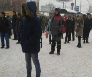 Пробка в 12 километров сковала дорогу с Речного вокзала в Академгородок