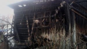 В СНТ Бердска сгорела дача с верандой