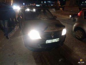 ДТП в Новосибирске: такси протащило пенсионерку 15 метров на капоте