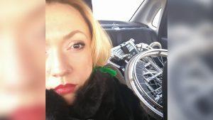 Новосибирский таксист отказался везти кресло пассажирки-инвалида