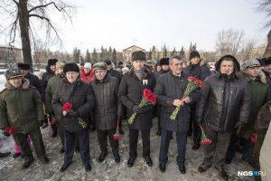 200 новосибирцев вышли на мороз в память о блокаде Ленинграда