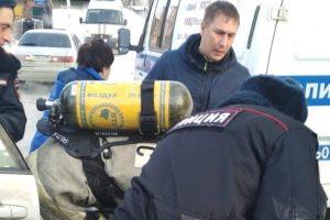 Новосибирск: 20-летний парень чуть не задохнулся в автомобиле
