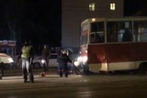 Трамвай наехал на женщину в Новосибирске