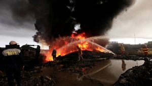Крупный пожар в Новосибирске: горит склад с продуктами