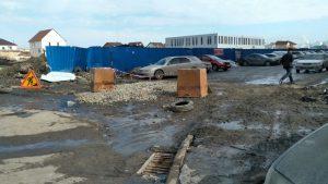 Новосибирск: жители многоэтажки в «Чистой Слободе» пожаловались на бурую воду с песком