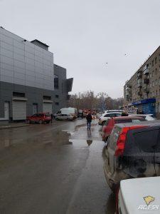 Сотни новосибирцев эвакуировали из торгового центра Холидей Family