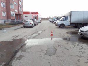 Лихач из Новосибирска сбил пятилетнего мальчика у подъезда дома