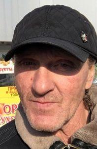 В Новосибирске ищут пропавшего мужчину в черной кожаной куртке