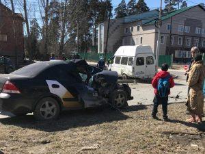 """Пьяный """"Яндекс.Таксист"""" протаранил маршрутку в Бердске"""