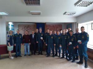 Бердским пожарным вручили 14 знаков отличия ГТО