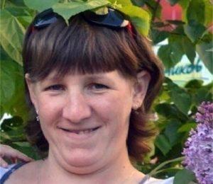 В Новосибирске пропала женщина без переднего зуба