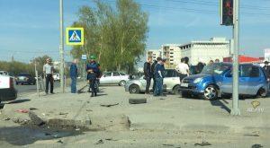 «Яндекс.Такси» попало в ДТП в Октябрьском районе Новосибирска