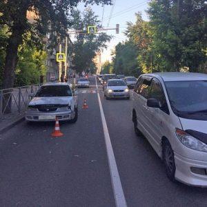«Тойота» сбила девочку в Новосибирске - ребенок впал в кому