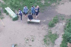 В Новосибирске подрались две полных женщины