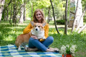 В Первомайском сквере прошла благотворительная фотосессия с собаками
