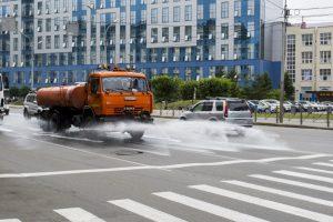 Власти Новосибирска помыли шампунем улицы в центре города