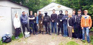 Новосибирские волонтеры убрали «мусорный апокалипсис» у детского сада