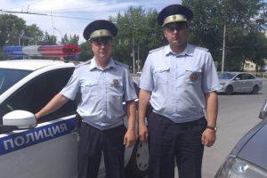 Новосибирские гаишники расчистили дорогу роженице